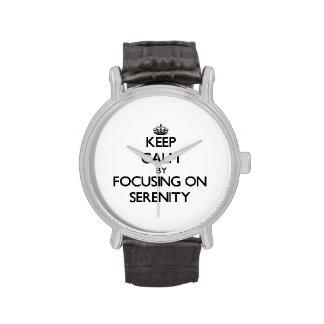 Guarde la calma centrándose en serenidad relojes de mano