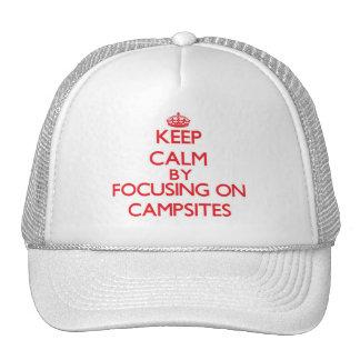 Guarde la calma centrándose en sitios para acampar gorras de camionero