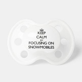 Guarde la calma centrándose en Snowmobiles Chupete De Bebé