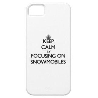 Guarde la calma centrándose en Snowmobiles iPhone 5 Funda