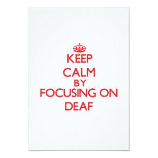 Guarde la calma centrándose en sordo invitación 8,9 x 12,7 cm