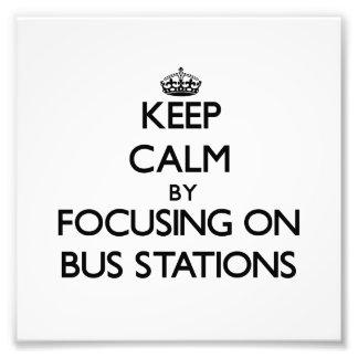 Guarde la calma centrándose en términos de autobus fotografía
