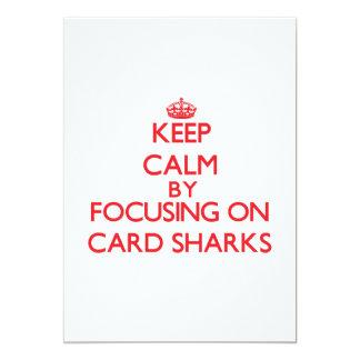 """Guarde la calma centrándose en tiburones de invitación 5"""" x 7"""""""