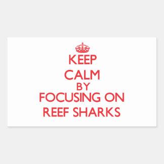 Guarde la calma centrándose en tiburones del filón rectangular pegatina