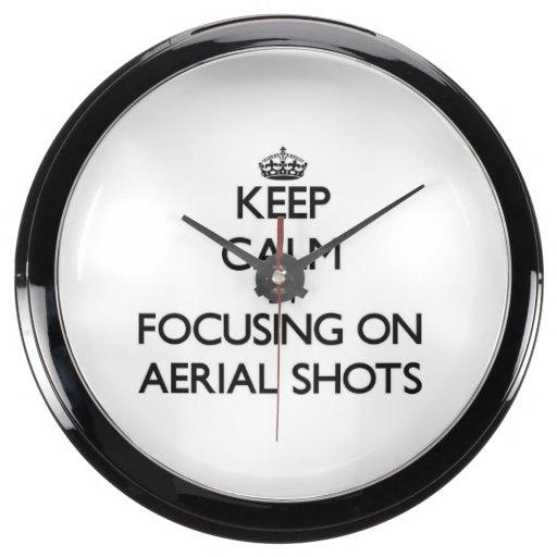 Guarde la calma centrándose en tiros aéreos relojes aquavista