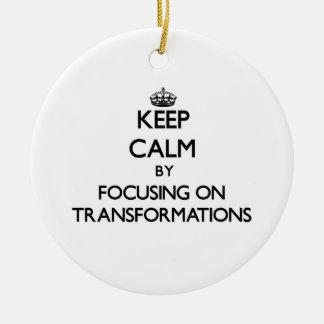 Guarde la calma centrándose en transformaciones ornamentos para reyes magos