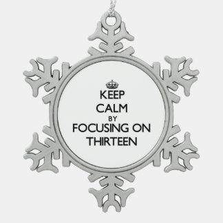 Guarde la calma centrándose en trece adornos