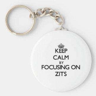 Guarde la calma centrándose en Zits Llaveros Personalizados