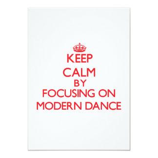 Guarde la calma centrándose encendido en danza invitación 12,7 x 17,8 cm