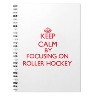 Guarde la calma centrándose encendido en hockey de libreta