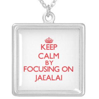 Guarde la calma centrándose encendido en Jai-Alai Grimpolas