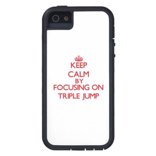 Guarde la calma centrándose encendido en la triple iPhone 5 carcasas
