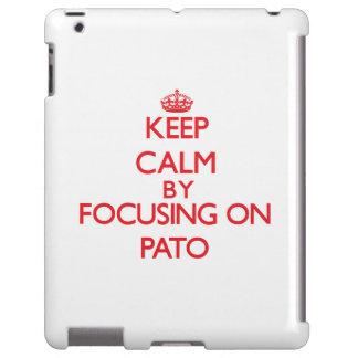 Guarde la calma centrándose encendido en Pato