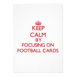 Guarde la calma centrándose encendido en tarjetas invitaciones personales