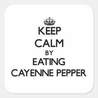 Guarde la calma comiendo la pimienta de cayena calcomanias cuadradas