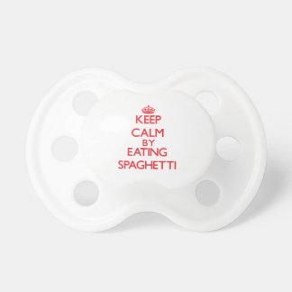 Guarde la calma comiendo los espaguetis chupete de bebe