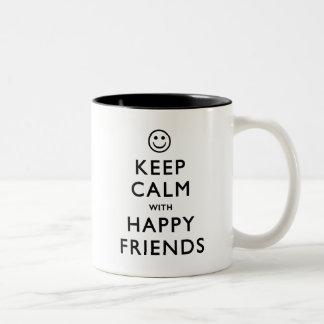Guarde la calma con los amigos felices taza de café