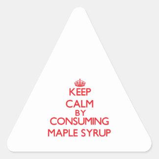 Guarde la calma consumiendo el jarabe de arce calcomanía de triangulo personalizadas