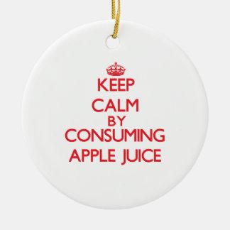 Guarde la calma consumiendo el zumo de manzana adorno redondo de cerámica