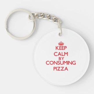 Guarde la calma consumiendo la pizza llavero