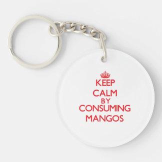 Guarde la calma consumiendo los mangos llavero redondo acrílico a doble cara