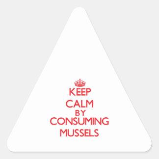 Guarde la calma consumiendo los mejillones calcomanías trianguladas
