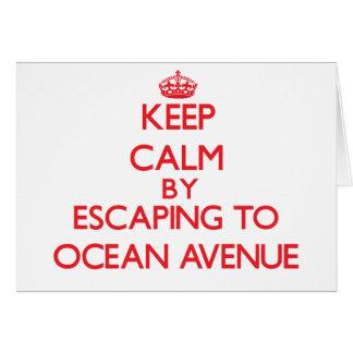 Guarde la calma escapándose a la avenida tarjeta de felicitación