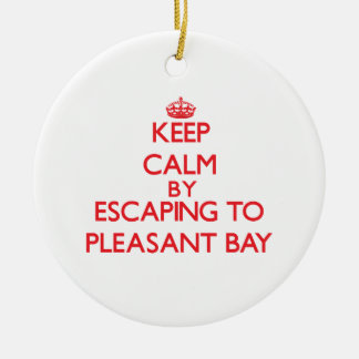 Guarde la calma escapándose a la bahía agradable M Ornamentos De Reyes