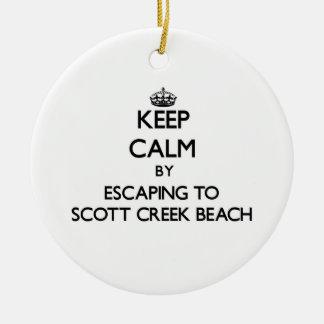 Guarde la calma escapándose a la playa Califor de Adorno Redondo De Cerámica
