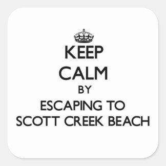 Guarde la calma escapándose a la playa Califor de Pegatina Cuadrada