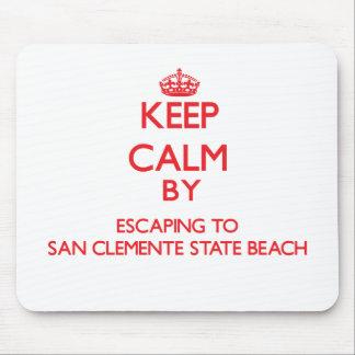 Guarde la calma escapándose a la playa de estado d tapete de ratones