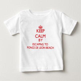 Guarde la calma escapándose a la playa Flori de T Shirts