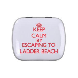 Guarde la calma escapándose a la playa marcha sept jarrones de caramelos