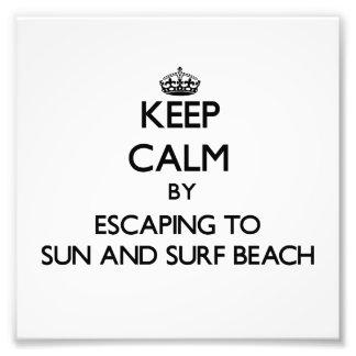 Guarde la calma escapándose a Sun y practique surf