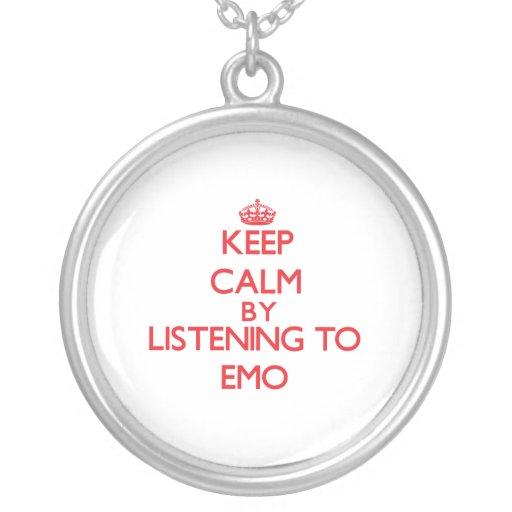 Guarde la calma escuchando EMO Pendiente Personalizado