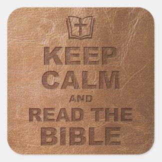 Guarde la calma leen la biblia calcomanía cuadrada personalizada