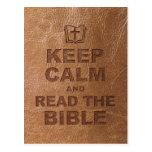 Guarde la calma leen la biblia postal