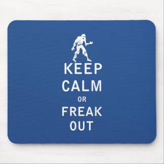 Guarde la calma o Freak hacia fuera Alfombrilla De Ratones