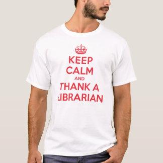 Guarde la calma para agradecer al bibliotecario playera