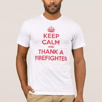 Guarde la calma para agradecer al bombero playera