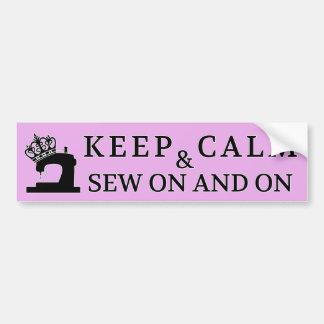 Guarde la calma para coser en/los artes pegatina para auto