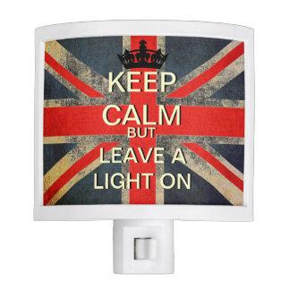 Guarde la calma pero deje una luz en luz de la noc