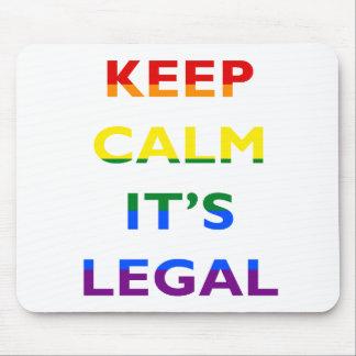 Guarde la calma que es la ayuda legal LGBT Alfombrillas De Ratón