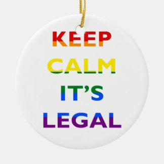 Guarde la calma que es la ayuda legal LGBT Adorno Redondo De Cerámica