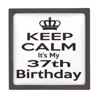 Guarde la calma que es mi 37.o cumpleaños cajas de recuerdo de calidad