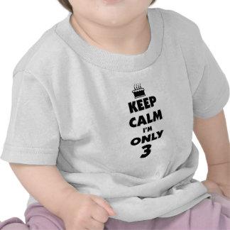 Guarde la calma que es mi cumpleaños camiseta