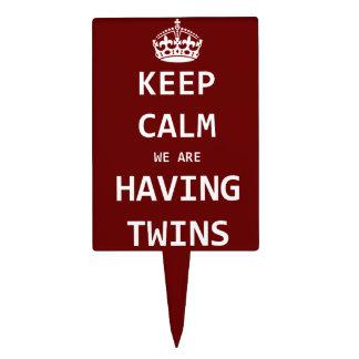 Guarde la calma que estamos teniendo gemelos figura de tarta