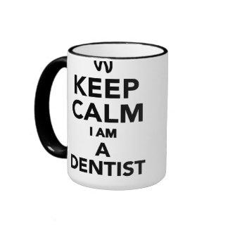 Guarde la calma que soy dentista taza a dos colores