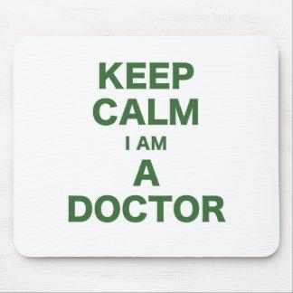 Guarde la calma que soy doctor mousepad