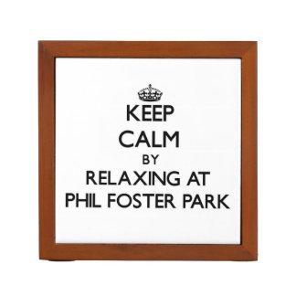 Guarde la calma relajándose en el parque adoptivo